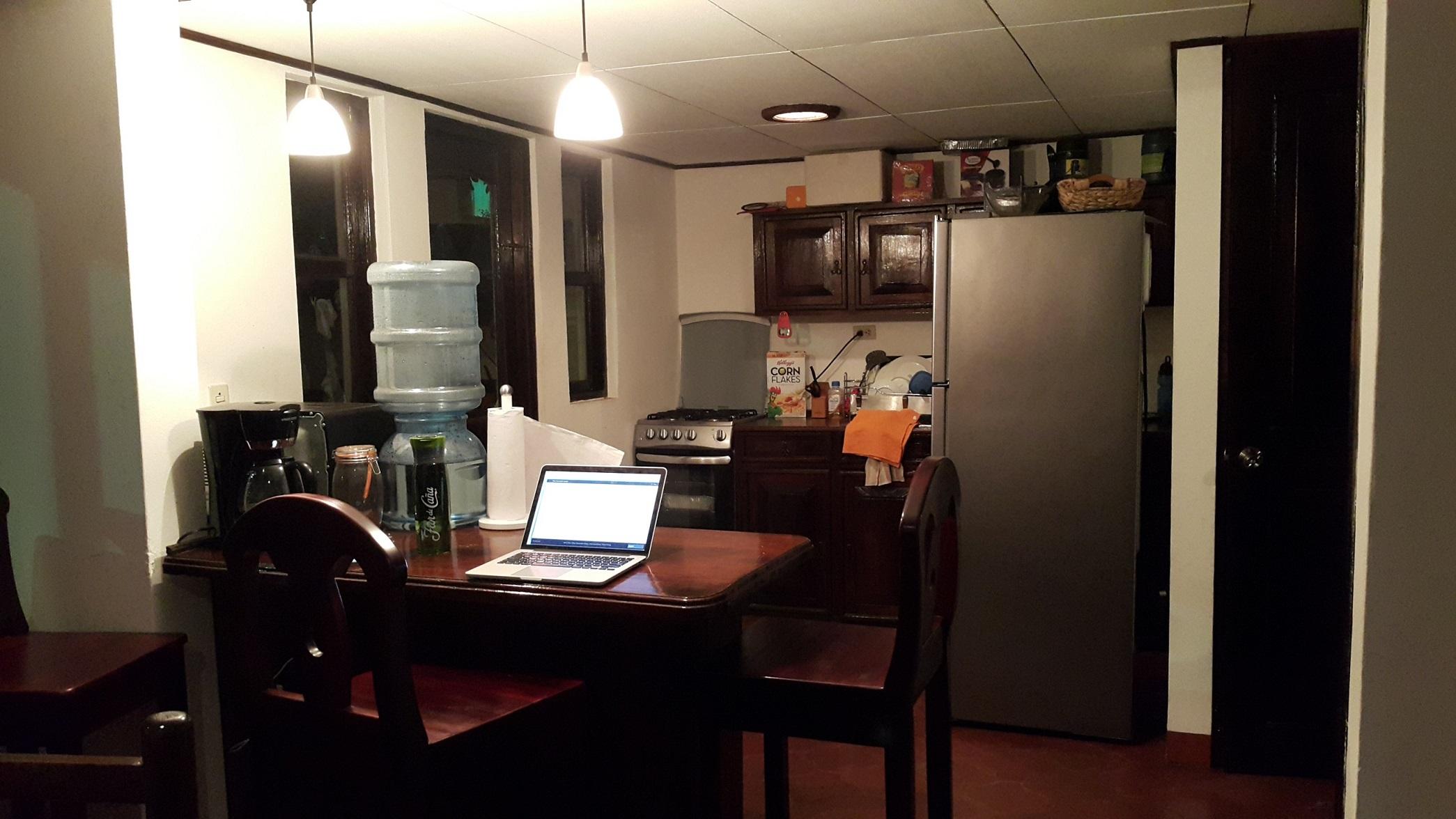 Lindo apartamento con muebles en condominio en alquiler for Muebles apartamento