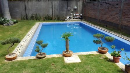 Casa con piscina propia santo domingo casanica for Apartamentos con piscina propia